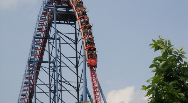 Superman - Ride of Steel roller coaster