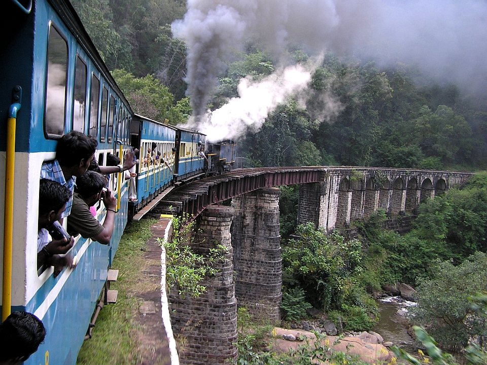 Travel tips for train travel in India - The Travel Enthusiast The Travel Enthusiast