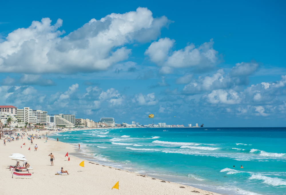 Gran Caribe Real Resort & Spa Cancun (Courtesy Real Resorts) All-inclusive luxuries make traveling more enjoyable for families, and many all-inclusive resorts in the US, Mexico and Caribbean regularly offer deals where kids stay free with their parents.