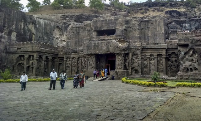 Ellora Caves @Shriram Rajagopalan/flickr