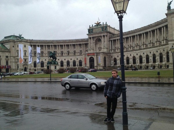 Me at Heldenplatz and behind me the Hofburn palace
