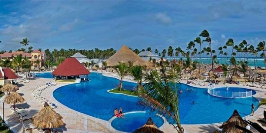 Luxury Bahia Principe Ambar - pool view