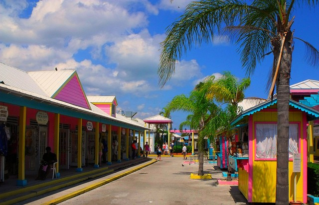 The colorful market of Freetown, Bahamas serving everything you need©Jesse Marriott/flickr