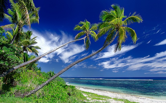 The charming and exceptionally beautiful Kolovai Beach in Tonga San-Tus | Pixelarium.cz/flickr
