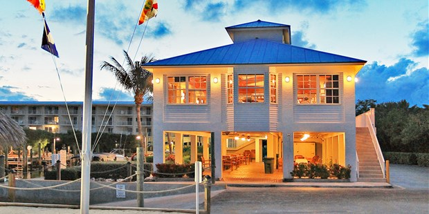 The Lobby Of Ocean Pointe Suites