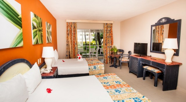 Guest room at Vista Sol Punta Cana