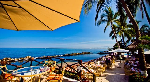 Restaurant terrace Costa Sur Resort