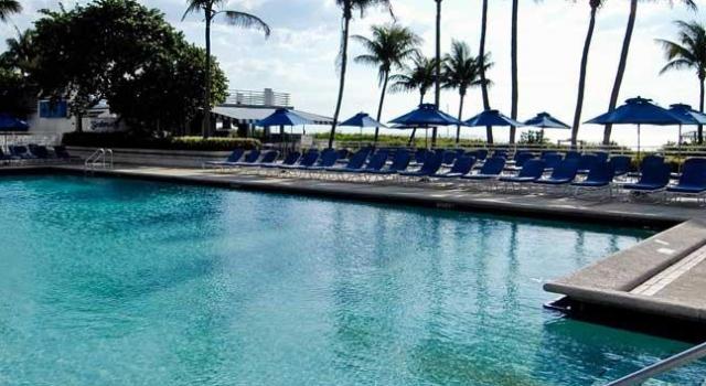 Pool at Miami Beach Resort