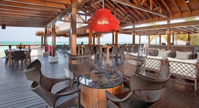 Sea Breeze Restaurant at Holiday Inn Aruba