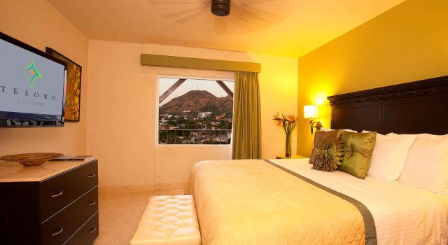 Guest room at Tesoro Los Cabos