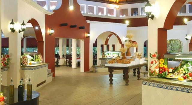 El Pajarito buffet restaurant at Catalonia Privileged Maroma