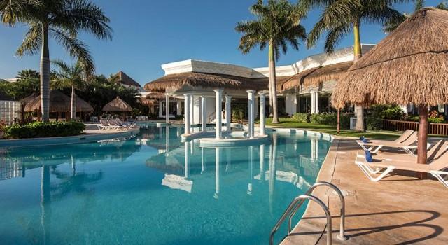 aft pool on Caribbean Princess--shade ruins it? - Cruise ... |Pool Terrace Grand Princess