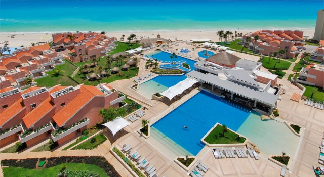 Pool view at Omni Cancun Hotel and Villas