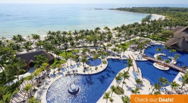 Barcelo Maya Beach resort - pool and beach view