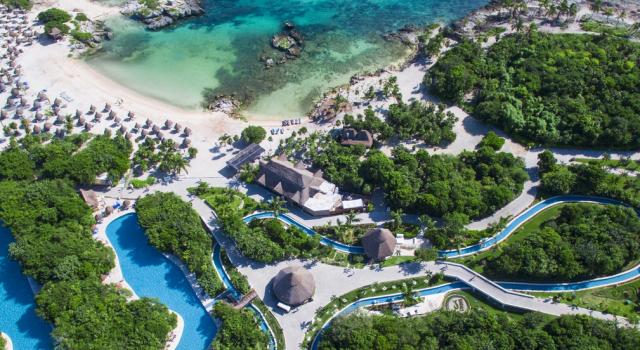 Pool view at Grand Sirenis Riviera Maya