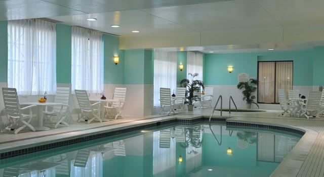 Pool at Hilton Garden Inn Virginia Beach Town Center