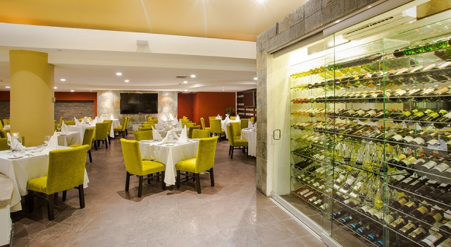 Restaurant at Marival Resort and Suites