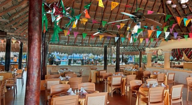 Poolside Snack Bar at Allegro Cozumel Resort