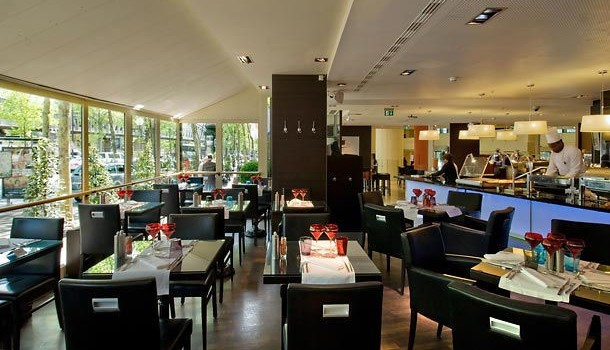 R'Yves restaurant at Paris Marriott Rive Gauche