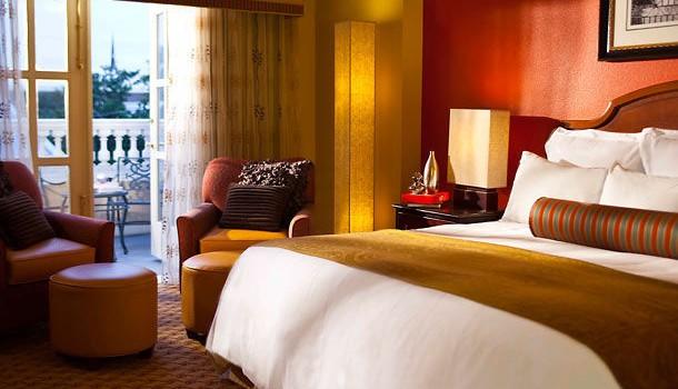 luxury renaissance charleston historic district hotel for. Black Bedroom Furniture Sets. Home Design Ideas