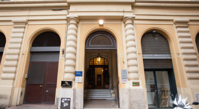 Residenza Cellini hotel - main entrance