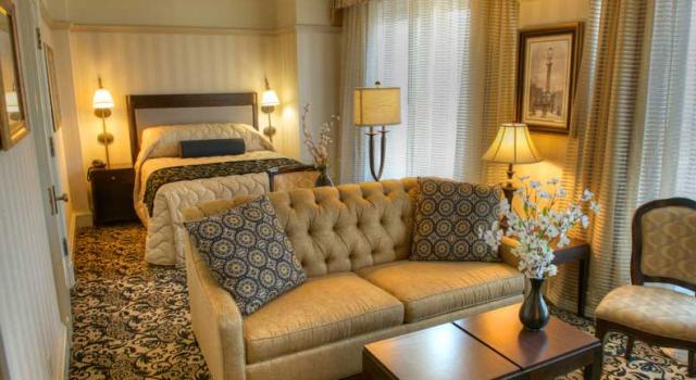 Mini Suite at the Gaslamp Plaza Suites