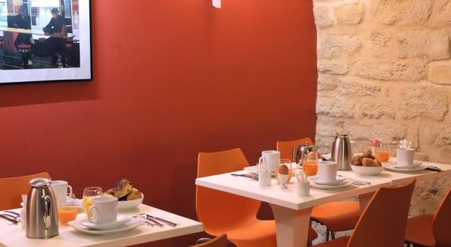 Breakfast room at Hotel Tivoli Hotel