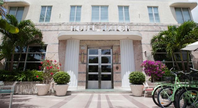 Hotel Astor in Miami Beach - exterior view