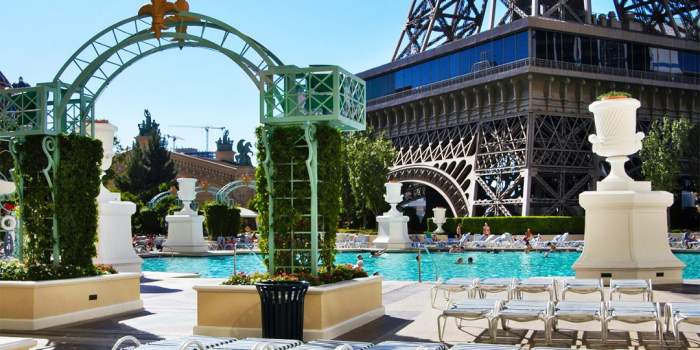 4 star paris las vegas hotel and casino on sale for 62 for Paris hotel pool images