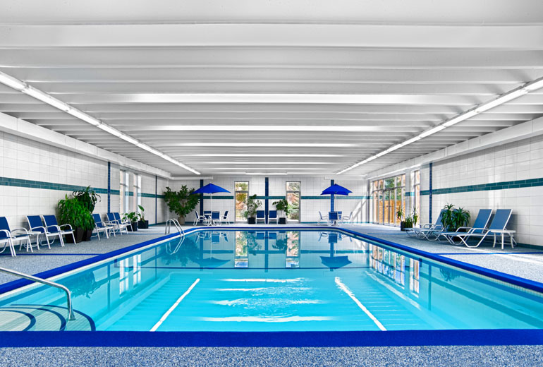 Four points by sheraton london in ontario for 86 the for Pool london