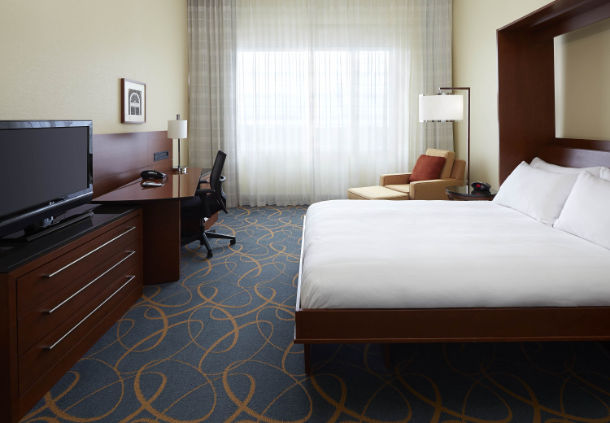 4 Star Montreal Airport Marriott In Terminal Hotel For