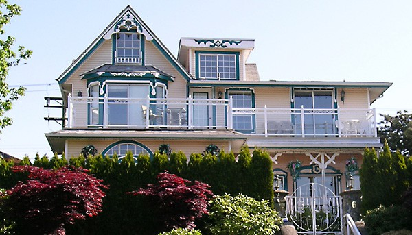 Ocean Breeze Bed and Breakfast in Vancouver