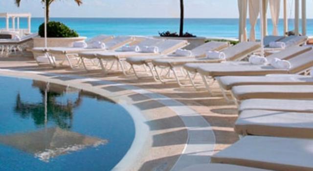 Pool view at Sandos Cancun Luxury Resort