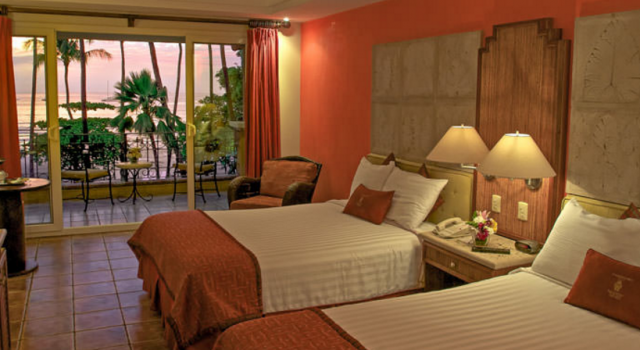 Guest room at Hotel Tamarindo