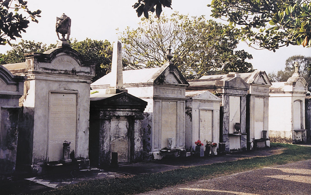 Celebrity Sightseeing: Cemetery Edition | Discover Los Angeles