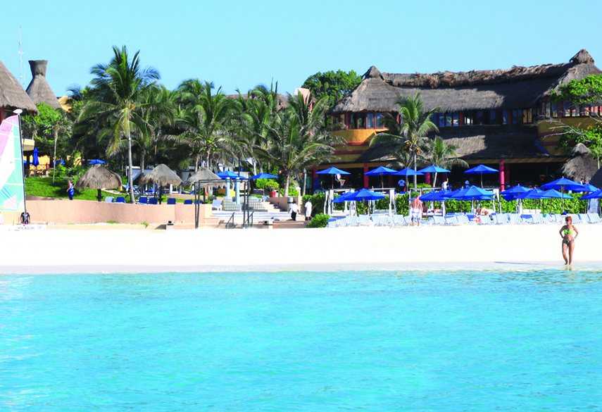 Beach View Of The Reef Playacar