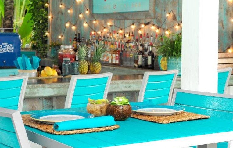 Oasis Cafe And Tiki Bar At The Inn Key Largo